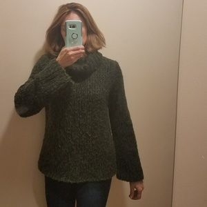 EUC EXPRESS Hand Knit Chunky Cowl Neck Sweater
